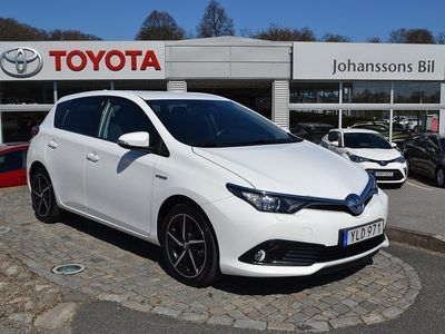 begagnad Toyota Auris Hybrid 1.8 5-D Intense Edition 136hk