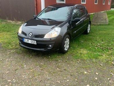 begagnad Renault Clio 1.2 -07