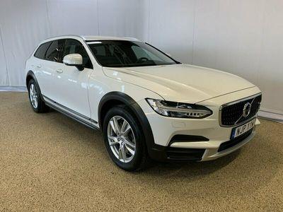 begagnad Volvo V90 CC D4 AWD SE, ader, On call, Dragkrok halvautomatisk, Baklucka elmanövrerad 2019, Kombi Pris 349 500 kr
