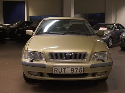 begagnad Volvo S40 2.0T Manuell, Sedan 2001, Sedan 14 900 kr