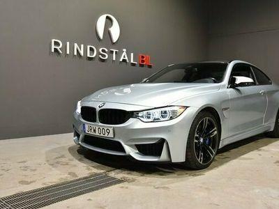 begagnad BMW M4 Coupé 431 HK AUT SVENSKSÅLD 4600MIL NYSERV