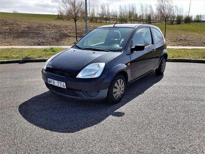 begagnad Ford Fiesta 3-dörrar 1.3 69 hk Lågt Miltal