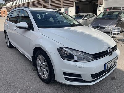 begagnad VW Golf Kombi 1.6 TDI 4Motion 105hk