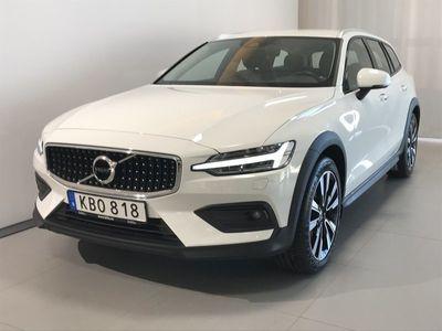 begagnad Volvo V60 CC D4 AWD Advanced SE II 2019, Kombi 359 000 kr