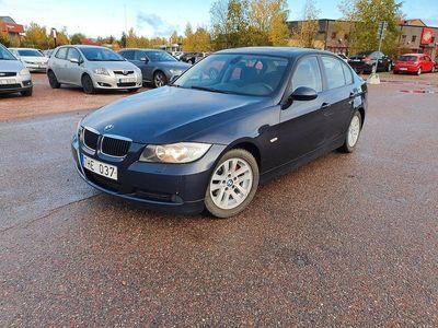begagnad BMW 318 i Sedan Comfort 129hk