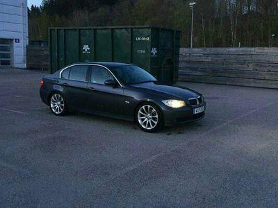 begagnad BMW 325 i Sedan Aut Navi