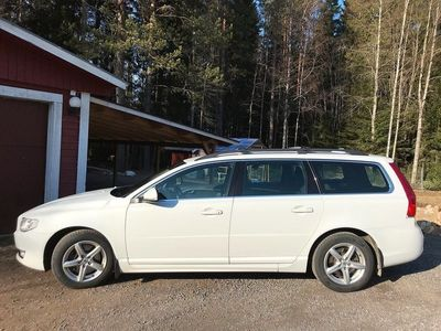 begagnad Volvo V70 D4 AWD Momentum 181hk