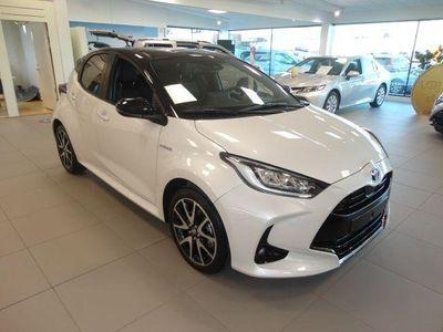 begagnad Toyota Yaris 1,5 Elhybrid 5D Style Bitone