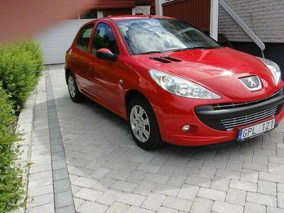 begagnad Peugeot 206+ + 5-dörrars 1.4 73hk Låga mil !! Fin bil !!!