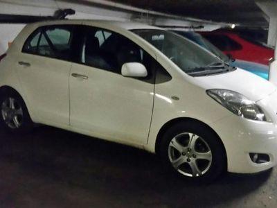 gebraucht Toyota Yaris vit, automatlåda -11