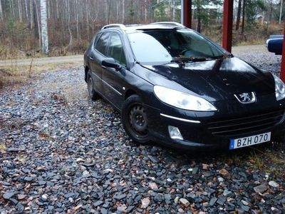 begagnad Peugeot 407 SW 2,0 hdi svart skinn panor AUT