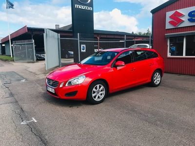 begagnad Volvo V60 D2 Base Kinetic 115hk
