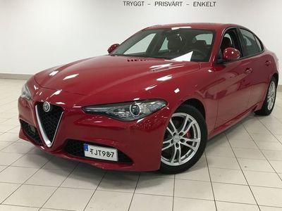 begagnad Alfa Romeo Giulia 2.2 Manuell Super 180hk