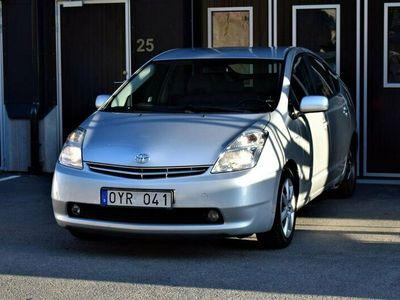 begagnad Toyota Prius 1.5 VVT-i + 3CM CVT Navi B-Kamera Rä 2,99%