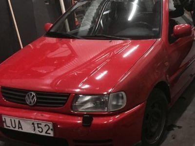 begagnad VW Polo billig, ej kostsam att laga, kap -95
