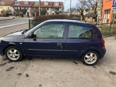 begagnad Renault Clio 1,2 06 -06