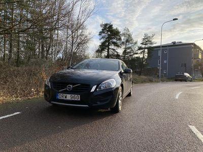 begagnad Volvo S60 Kinetic T3 150hk