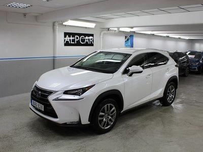 begagnad Lexus NX300h PREMIUM GPS SKINN ELSTOL