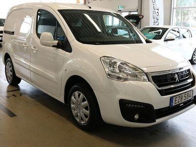 begagnad Peugeot Partner Pro 1.6 BlueHDi L1 - Dragkrok 2018, Transportbil 118 500 kr