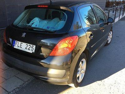 begagnad Peugeot 207 1,6 5D