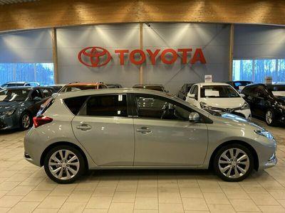 begagnad Toyota Auris 1.6 D-4D Executive /Drag.Mv+Kupe.mm