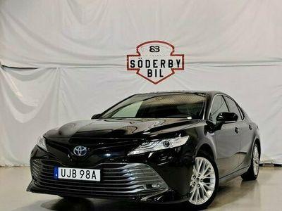 begagnad Toyota Camry 2.5 HYBRID EXECUTIVE EU6 NAVI P-KAM AUTO 2019, Sedan Pris 229 900 kr