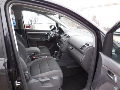 begagnad VW Touran 1,6 TDi Bluemotion 2012