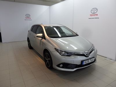 begagnad Toyota Auris 1.2 Turbo Intense Edition Manuell 116hk