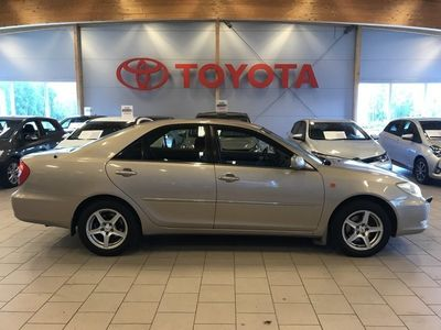 begagnad Toyota Camry 2.4