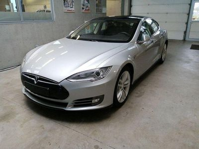 begagnad Tesla Model S P85 Momsbil HiFi Luft Tech Pano