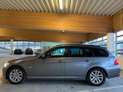 begagnad BMW 320 d xDrive AUT / NAV / NYSERVAD