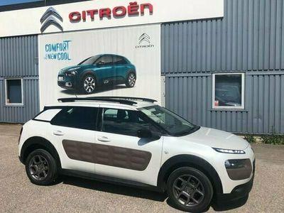 begagnad Citroën C4 Cactus 1.2 PureTech Feel 2015, Halvkombi Pris 69 000 kr