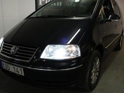 begagnad VW Sharan 2.0 TDI 7-sits 140hk Drag Värmare