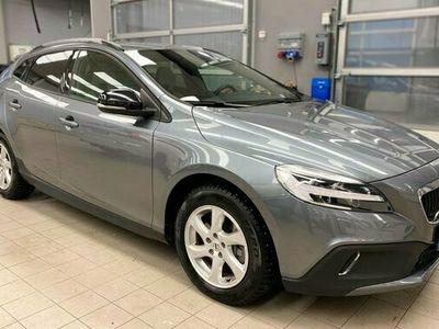 begagnad Volvo V40 CC T3 Adv Edition 2019, Kombi 239 500 kr