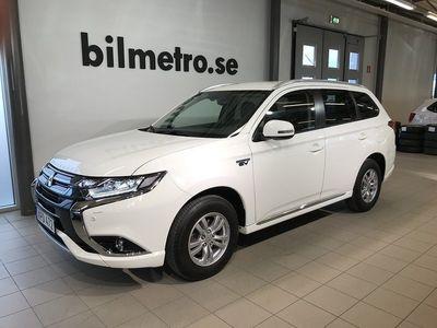 begagnad Mitsubishi Outlander P-HEV 2.0 4WD Aut Drag V-Hjul