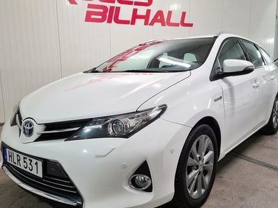 begagnad Toyota Auris Touring Sports Hybrid 1.8 VVT-i 3JM CVT 2014, Halvkombi 124 900 kr
