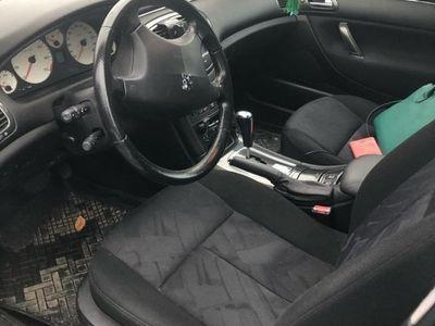 begagnad Peugeot 607 klar för köra