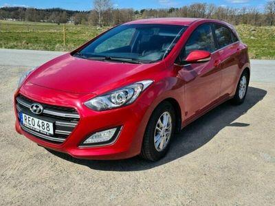 begagnad Hyundai i30 5-dörrar 1.6 CRDi Euro 6 Dragkrog,kupé/motorvärm