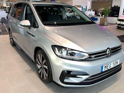 begagnad VW Touran 1.5 TSI DSG R-LINE LAGER 2021, SUV Pris 360 100 kr