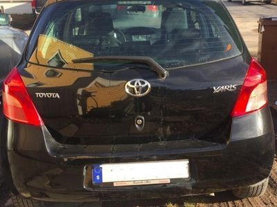 begagnad Toyota Yaris 5-D 1,3 i t skick -08