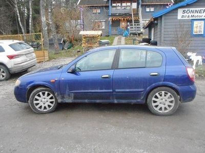 begagnad Nissan Almera Tino Almera 5-dörrar 1.8 2004, Halvkombi 13 500 kr