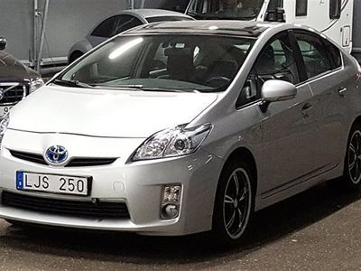 begagnad Toyota Prius 1.8 Hybrid Låga mil Solceller