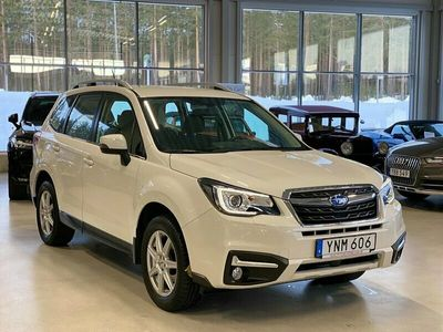 begagnad Subaru Forester 2.0 4WD AUT DRAG MOTORVÄRMARE PÄRLEMOVIT