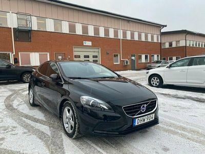 begagnad Volvo V40 D2 115hk Momentum VOC 10400 mil Kamrem bytt!