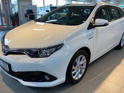 begagnad Toyota Auris 1.8 HSD Active Kombi 2018, Halvkombi Pris 179 900 kr
