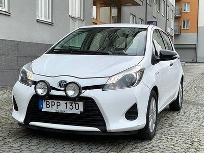begagnad Toyota Yaris Hybrid 1.5 VVT-i CVT 2014, Halvkombi 95 900 kr