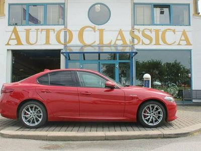 begagnad Alfa Romeo Giulia 2.0 TBi Q4 Automat