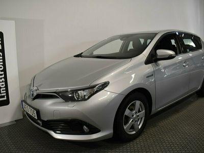 begagnad Toyota Auris Hybrid 1.8 Automat Active Vinterhjul 5 År garanti VIDEO