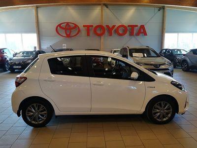 begagnad Toyota Yaris Hybrid 1.5 5-D HYBRID/ V-hjul