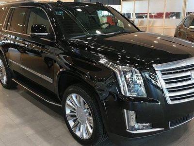 begagnad Cadillac Escalade PLATINUM 6.2 V8 425HK AWD KAMPANJ